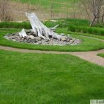 Summer Backyard Ideas that Will Enliven Your Family Time (42)