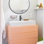 Easy Bathroom Makeover Inspirations with Cheap Decoration and Accessories Part 23