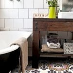 Easy Bathroom Makeover Inspirations with Cheap Decoration and Accessories Part 27