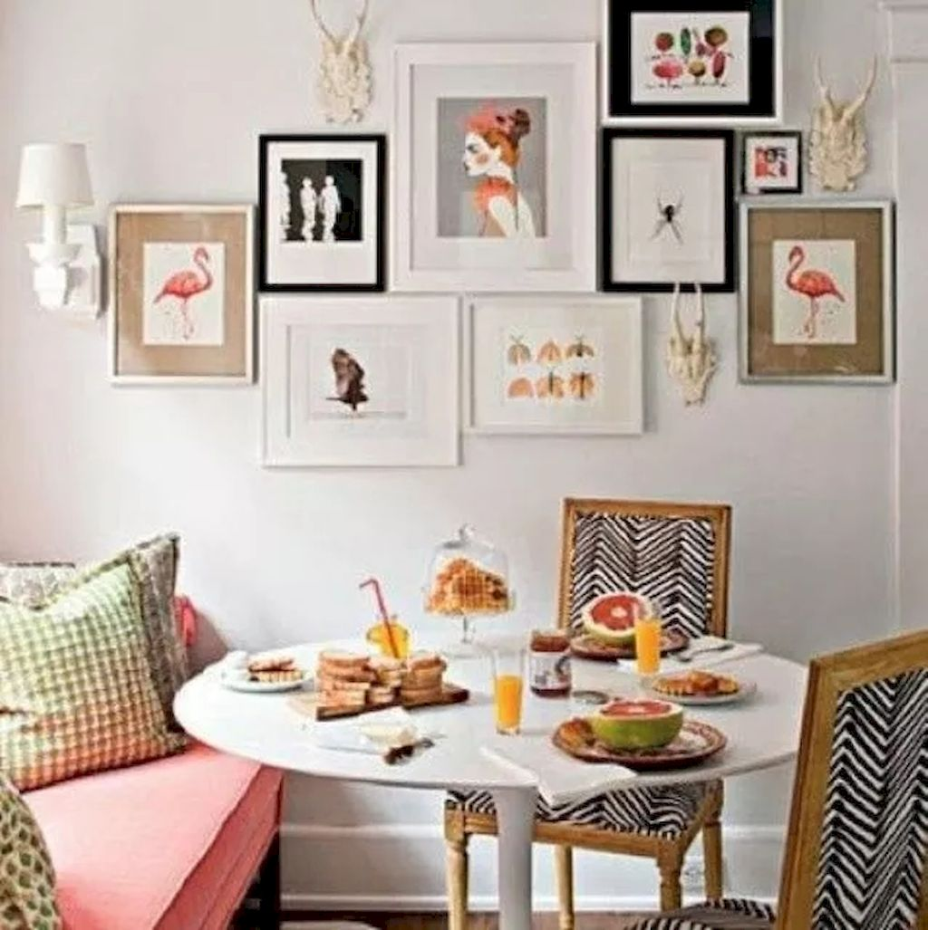 https://elonahome.com/wp-content/uploads/2018/09/Simple-image-and-Arrangement-Tips-to-Make-your-Own-Gallery-Wall-Ideas-Part-71.jpg