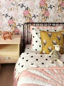 Bedroom Side Table Designs with very Strong Characteristic Part 14
