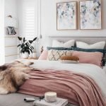 Comfortable Master Bedroom Concept With Affordable Decoration Part 15