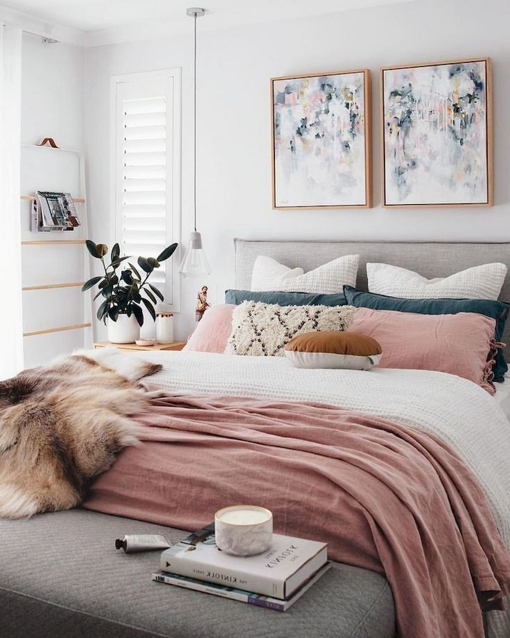 https://elonahome.com/wp-content/uploads/2018/12/Comfortable-Master-Bedroom-Concept-With-Affordable-Decoration-Part-15.jpg
