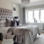 Comfortable Master Bedroom Concept With Affordable Decoration Part 7