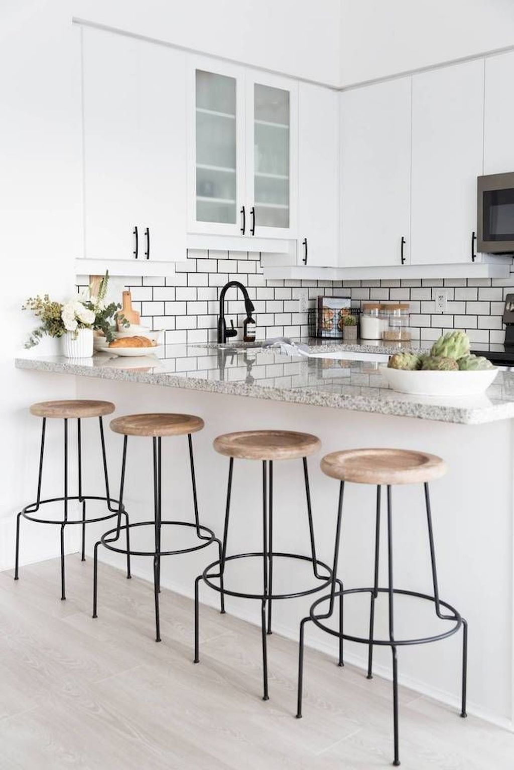 50 Minimalist Bar Stool Ideas for Small Kitchen Bar ...