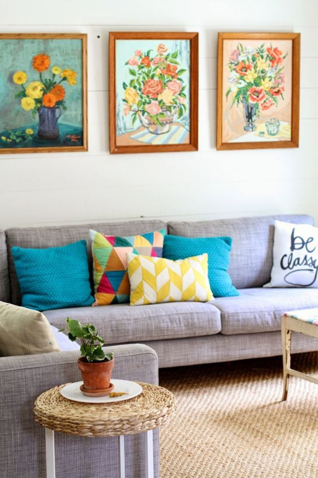 https://elonahome.com/wp-content/uploads/2019/01/Amazing-ideas-of-cushions-as-beautiful-decoration-to-enhance-living-room-refreshing-atmosphere-Part-3.jpg