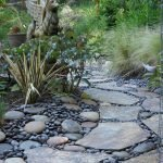 Amazing outdoor and garden paving ideas using flagstones Part 19
