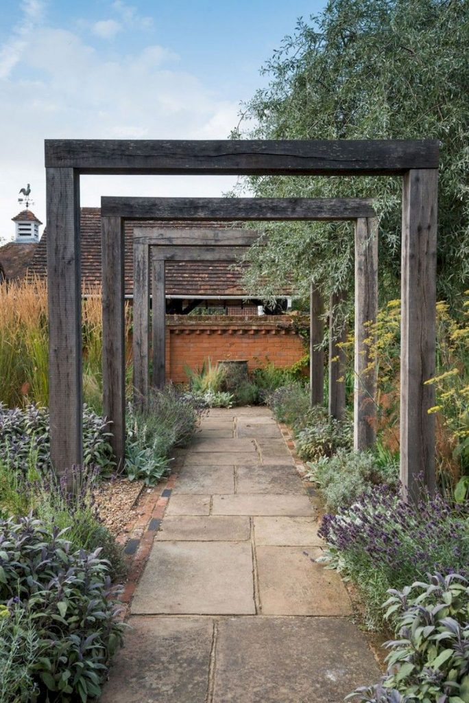https://elonahome.com/wp-content/uploads/2019/01/Best-walk-ways-for-gardens-and-outdoor-spaces-with-inspiring-paving-design-Part-1-684x1024.jpg