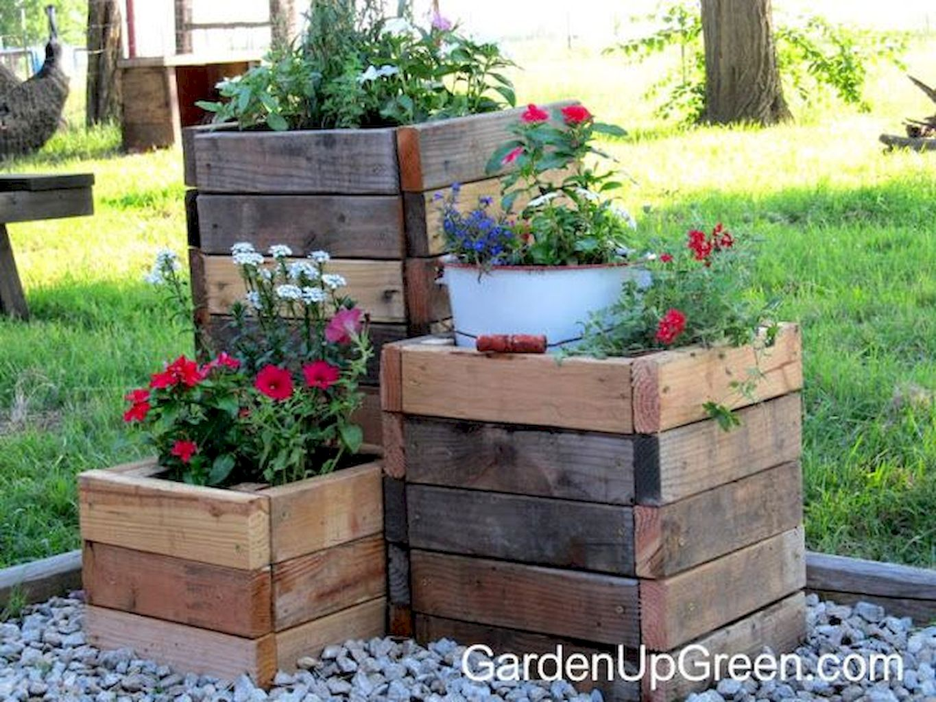 Creative Homemade Planter Boxes From Pallets Simple Diy Project
