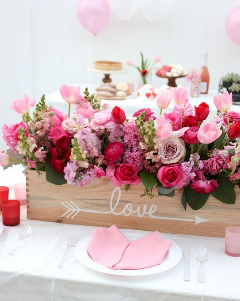 https://elonahome.com/wp-content/uploads/2019/01/Lovely-Table-Decoration-for-Valentine-Wedding-Theme-Part-3-819x1024.jpg