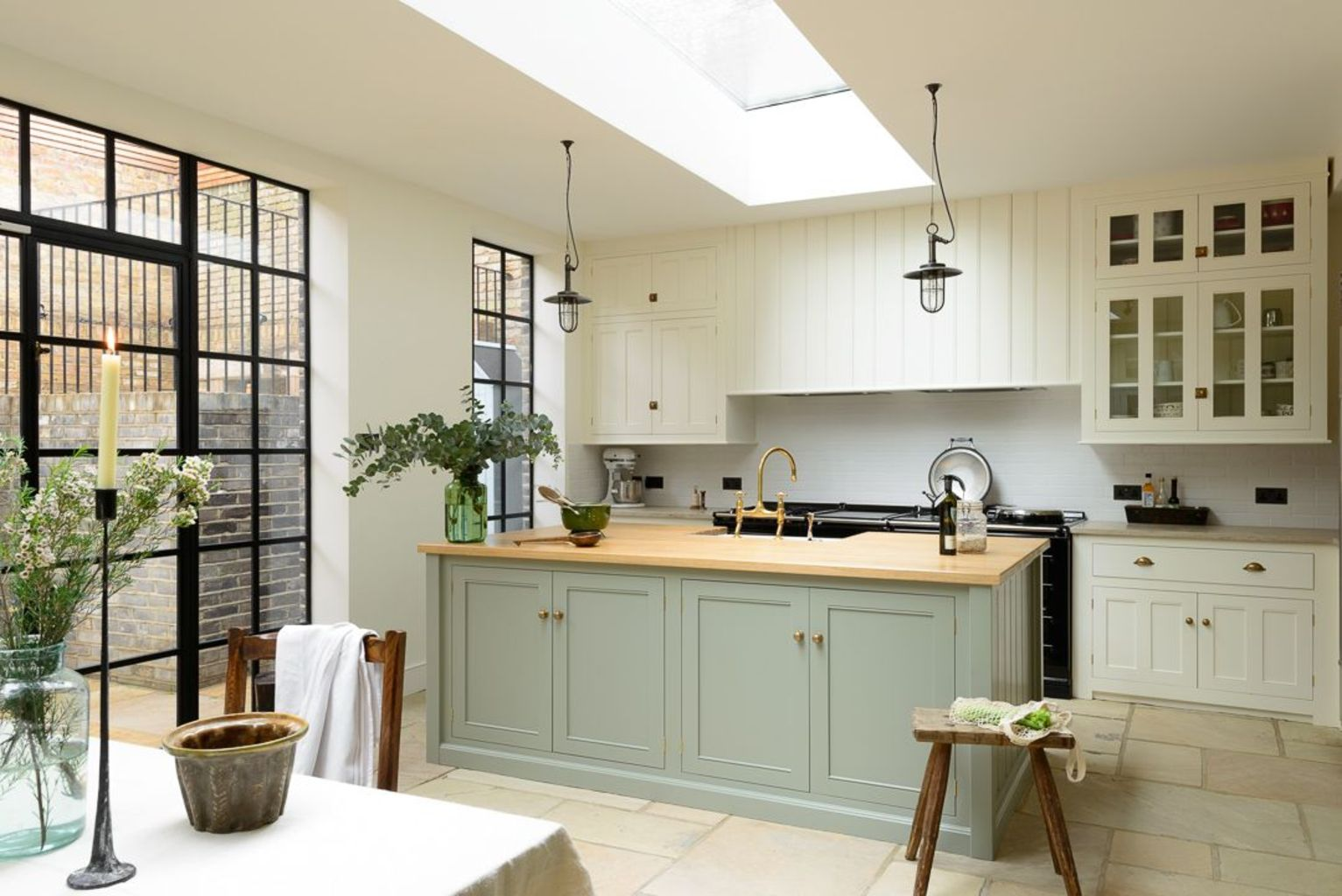 Natural Stone Floor Ideas that Looks Amazing in Traditional and Vintage Kitchen Styles Part 18 & Natural Stone Flooring Adorning Delightful Kitchens Textures ...
