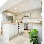Natural Stone Floor Ideas that Looks Amazing in Traditional and Vintage Kitchen Styles Part 27
