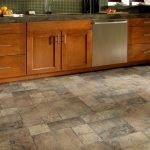 Natural Stone Floor Ideas that Looks Amazing in Traditional and Vintage Kitchen Styles Part 8
