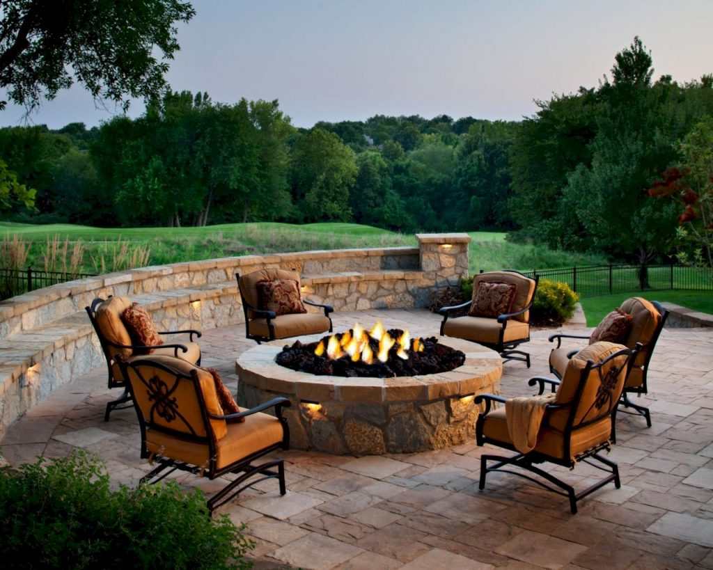 https://elonahome.com/wp-content/uploads/2019/01/Round-firepit-design-for-outdoor-living-and-gathering-space-ideas-Part-12-1024x819.jpeg