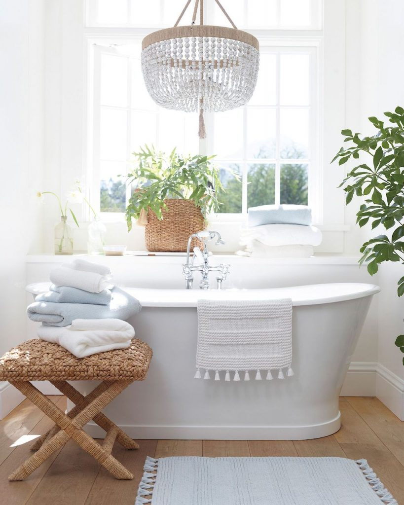 https://elonahome.com/wp-content/uploads/2019/01/Small-standing-tubs-powerful-to-make-up-small-bathroom-looks-Part-15-819x1024.jpg