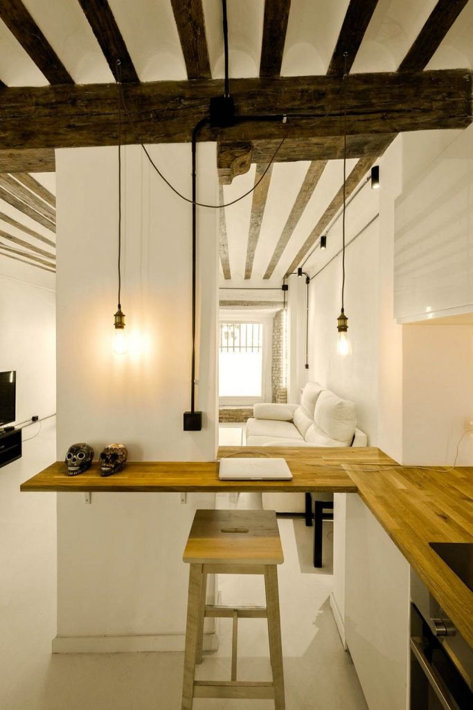 https://elonahome.com/wp-content/uploads/2020/06/Artist-home-update-bringing-an-old-structure-into-livable-modern-living-space-that-has-artsy-visual-683x1024.jpg