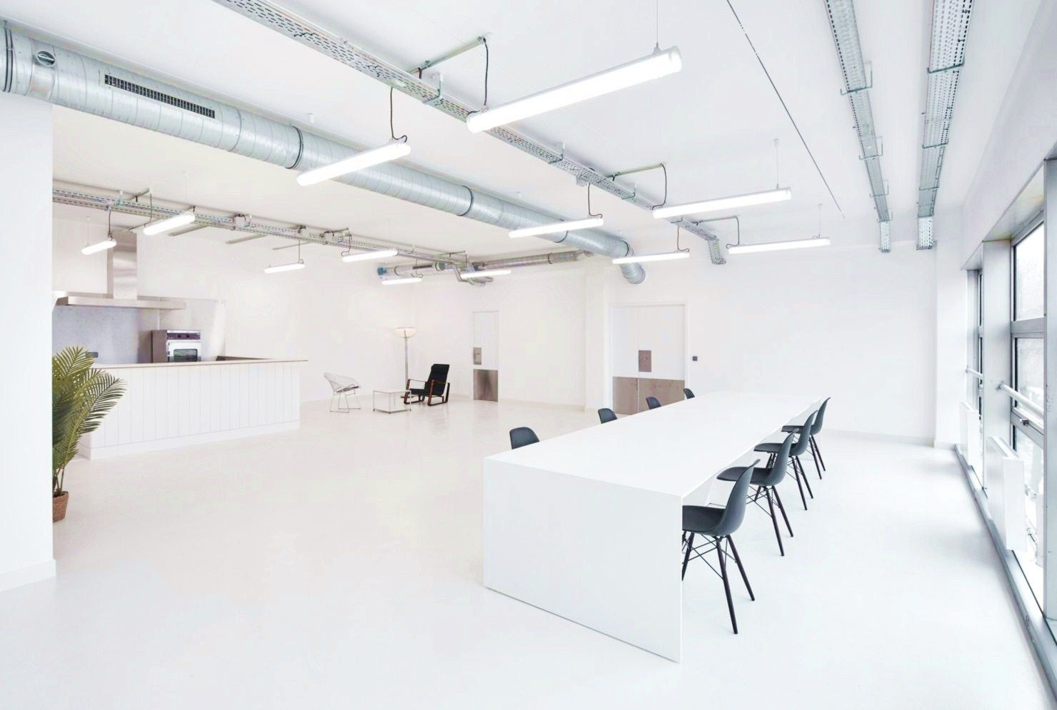 Inspiring office meeting room with passionate interior style giving them multiple benefits for productive