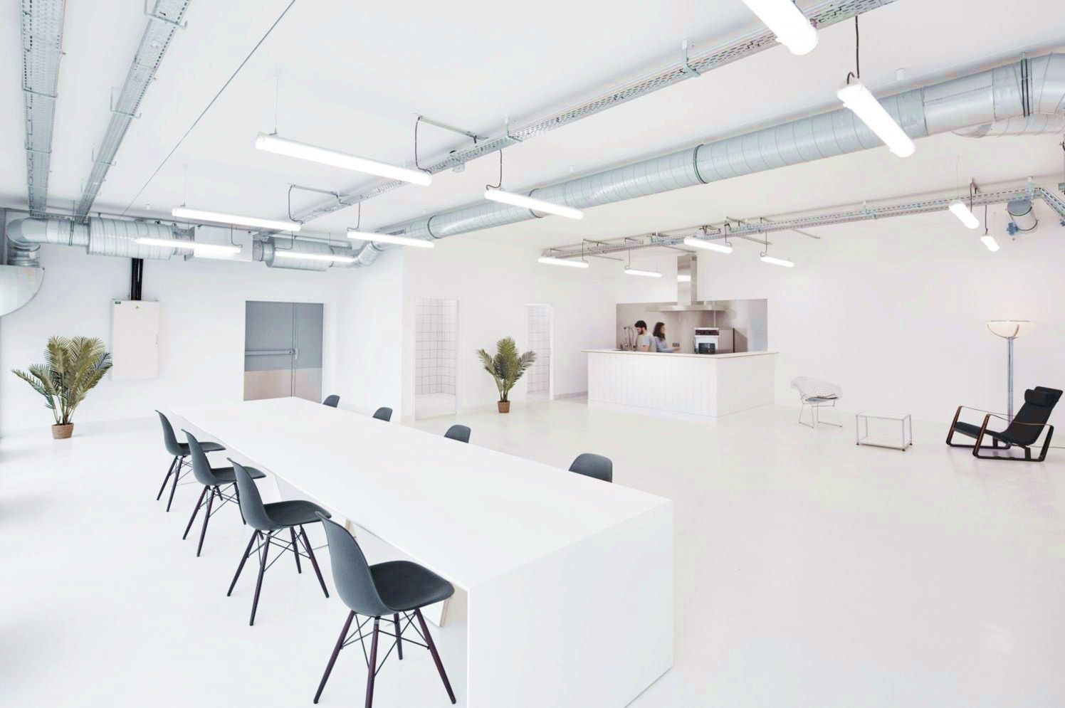 https://elonahome.com/wp-content/uploads/2020/06/Perfect-example-of-modern-office-style-giving-functional-youthful-look-for-Marine-Serre-workshop.jpg