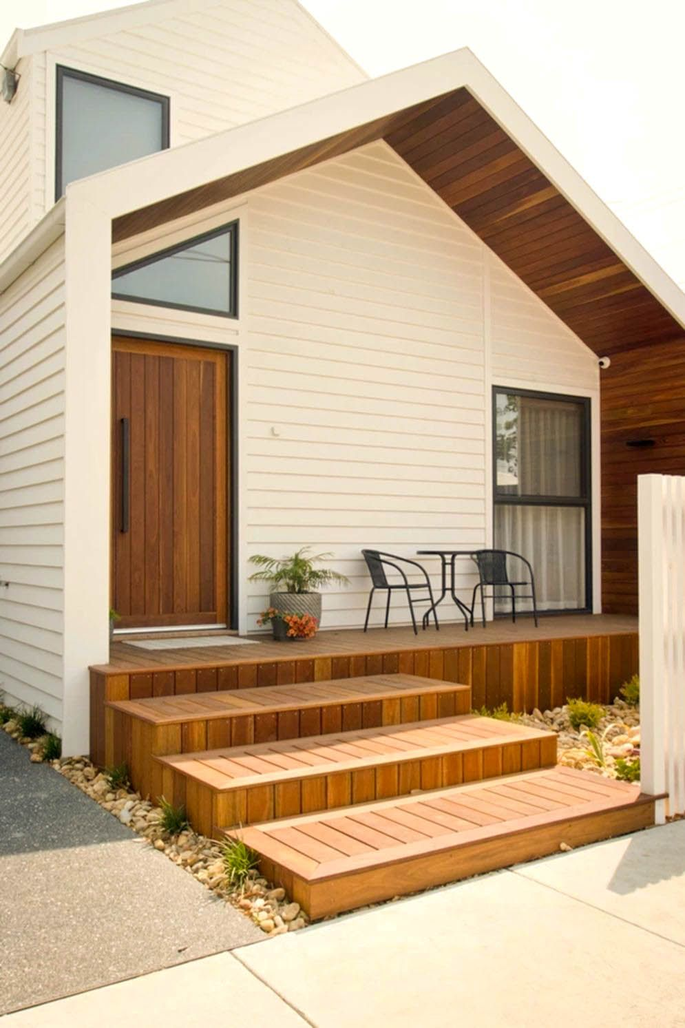 https://elonahome.com/wp-content/uploads/2020/06/Simple-facade-concept-Moonee-Pond-Gable-House-mixing-wood-and-bright-color-to-give-everyone-warm-welcome.jpg