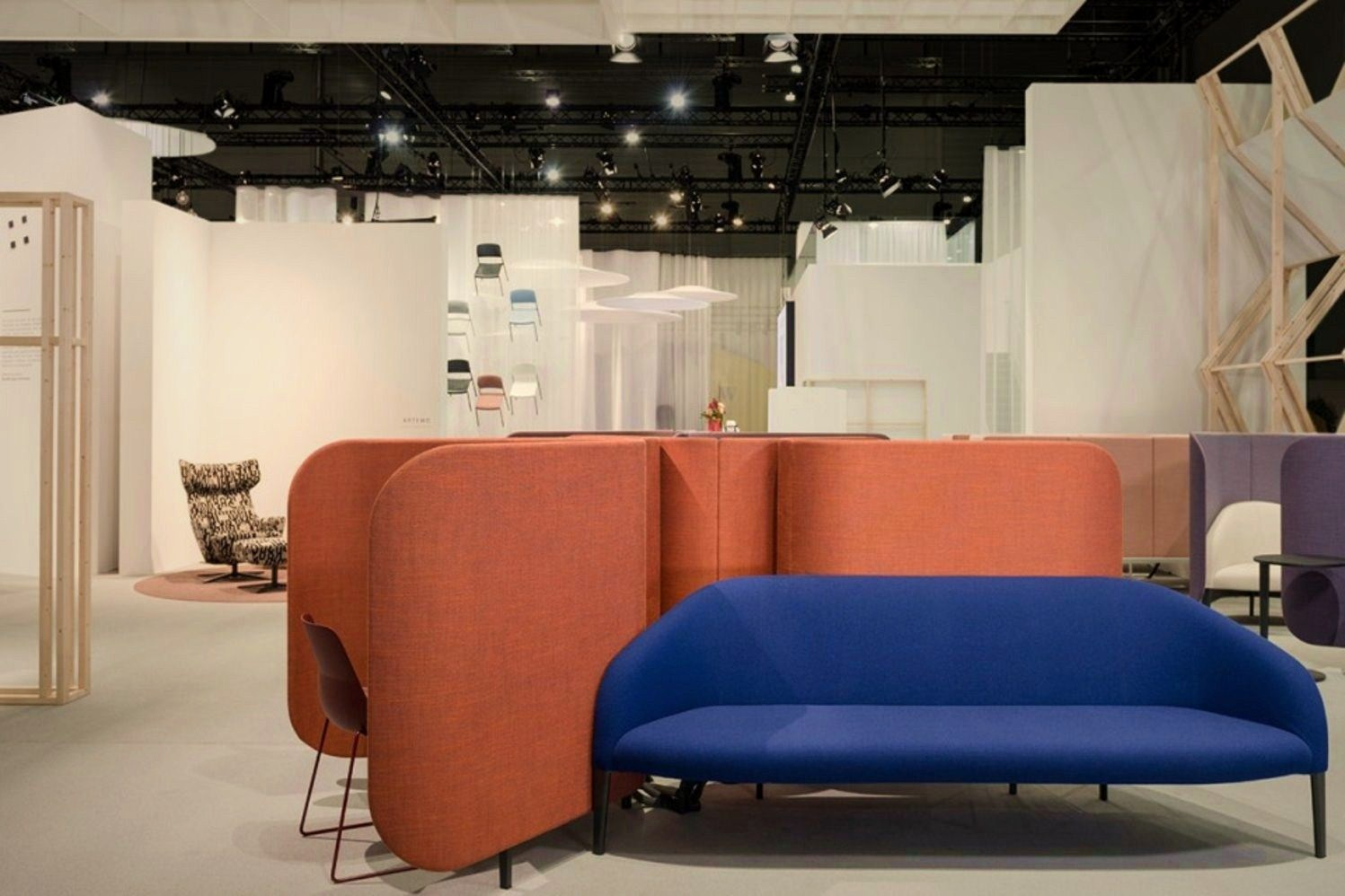 Open style exhibition stand of Brunner in Orgatec 2016 showcasing products in new inviting view and structure arrangement (6)