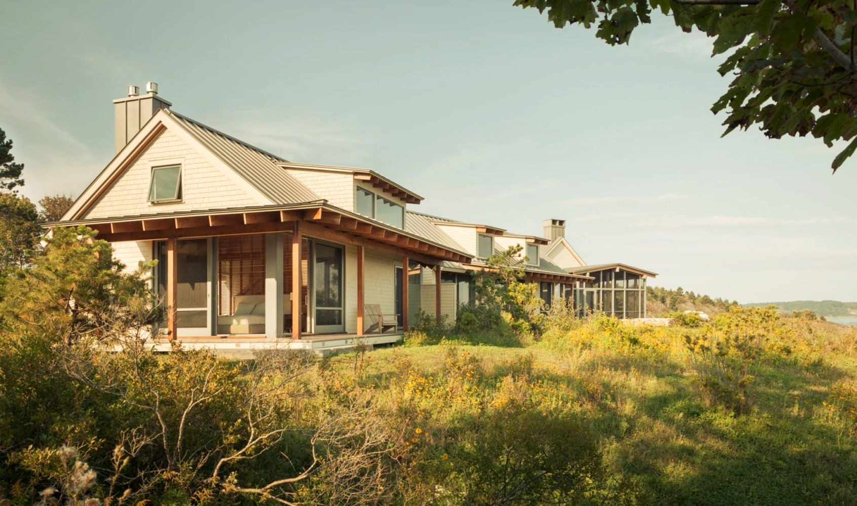 Seafront house Spurwink Retreat showing off camp like design with perfect craftsmanship and well layouted landscape (2)