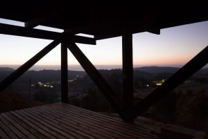 Casa en Alto Grande built in efficient structures stands on a high ground looking at beautiful rural landscape (5)