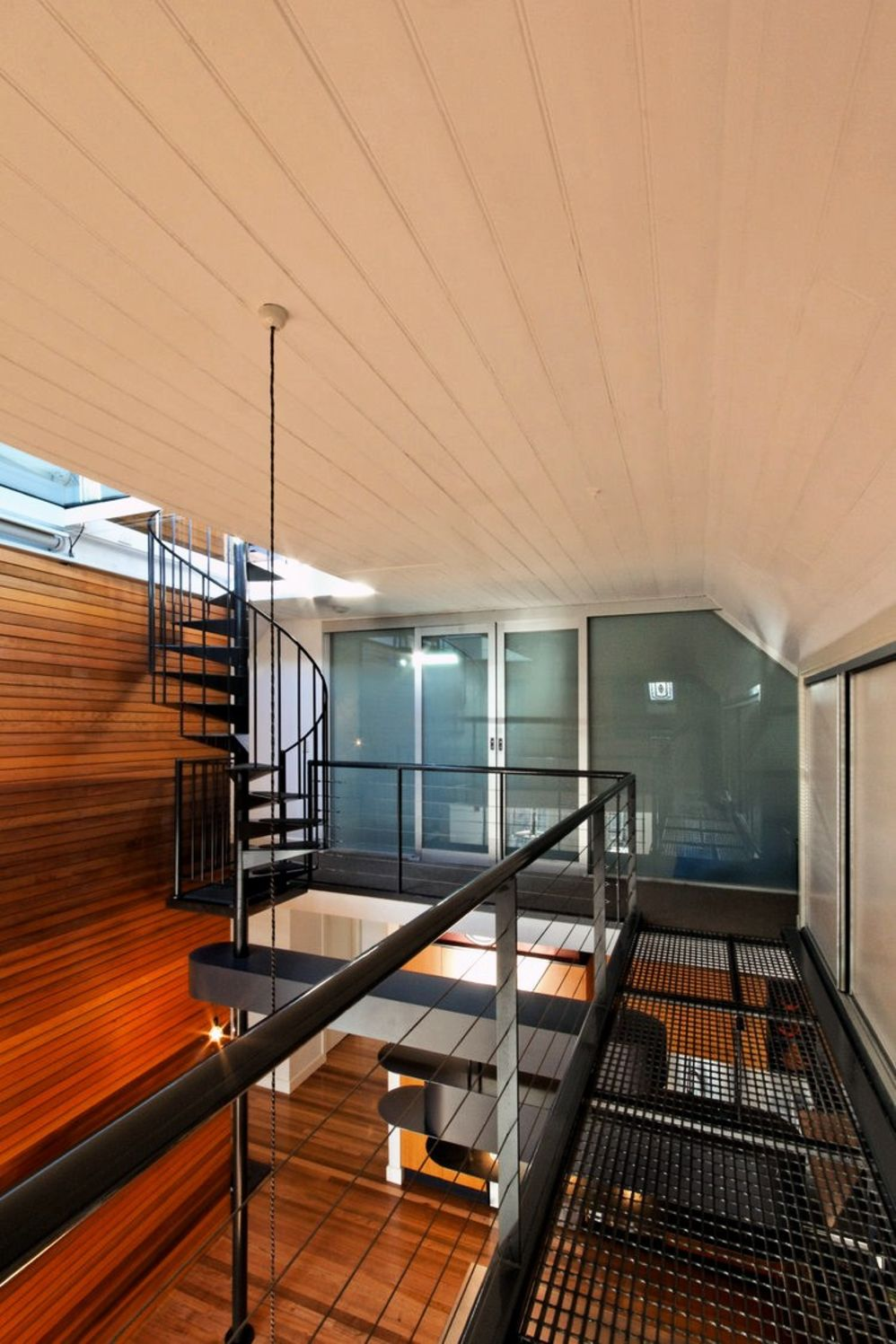 Cozy home design with wood rich interior elements constructing high complexity that enhance the house value and style (3)