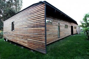 Wooden house design that embraces the nature surrounded by prosperous environment and fruit trees Casa Lo Cañas (3)