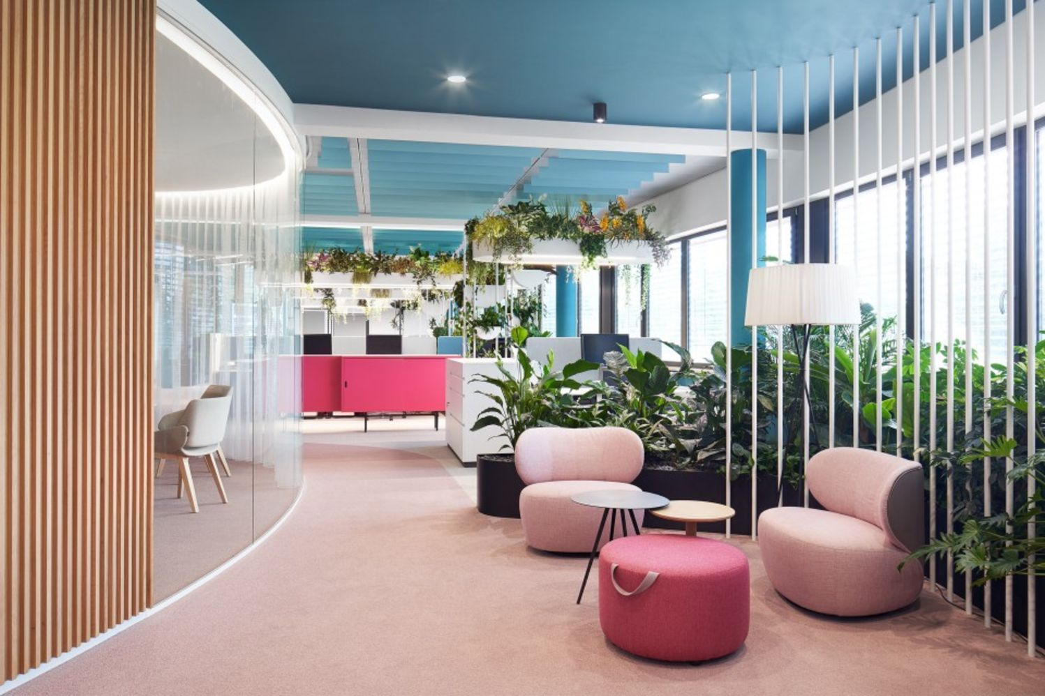 https://elonahome.com/wp-content/uploads/2020/12/Creative-office-concept-created-for-dynamic-and-effective-working-space-5.jpg