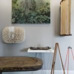 Fascinating home style with lots of mementos and inspirational pieces (9)