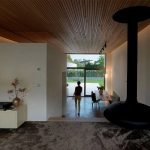 Warm interior concept with eclectic hung chimney to enhance indoor special character (1)